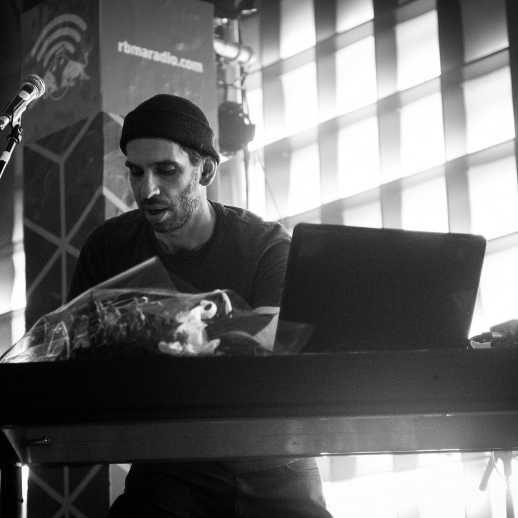 Boundary live at Mutek (pic by Philippe Sawicki)