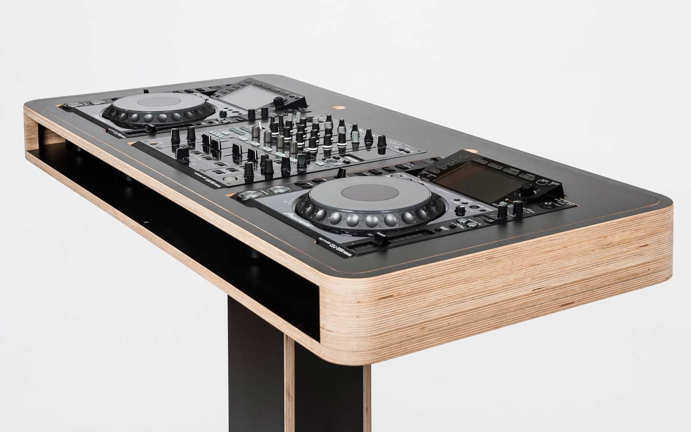 wonderful dj furniture by hoerboard the stereo t music is my sanctuary. Black Bedroom Furniture Sets. Home Design Ideas