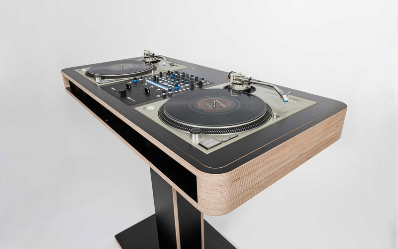 Stereo.T_Side_View_Technics-2400x1500